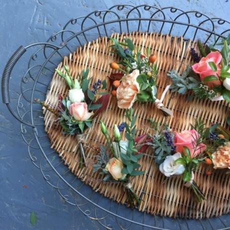 Peach buttonholes
