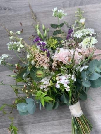 Midsummer bride
